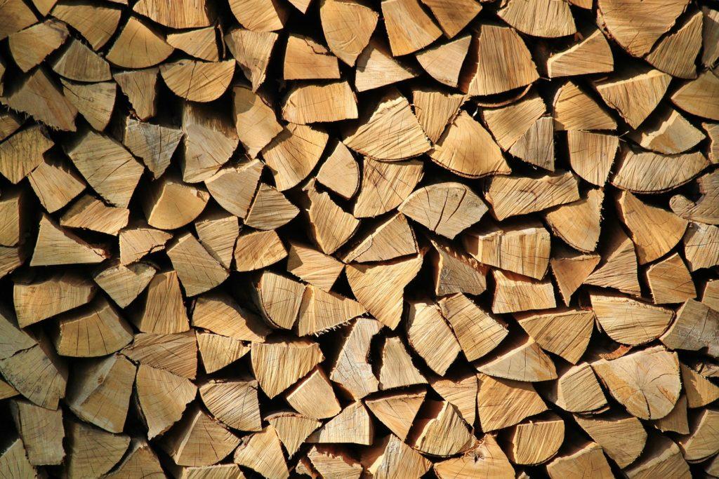 Kaminholz / Brennholz - Premium-Brennholz, hoher Brennwert, ruhiges Abbrandverhalten, schönes Flammenbild